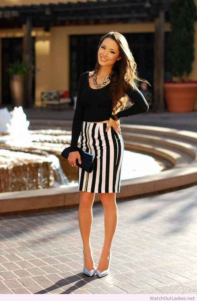 Sexy Crop Top with Stripe Pencil Skirt