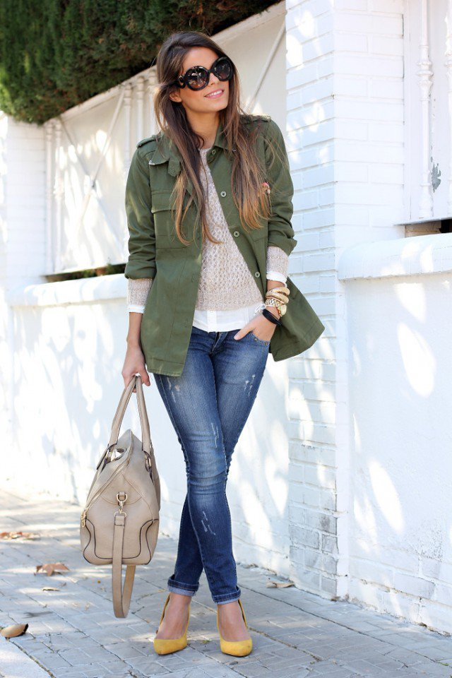 Chic Spring Outfit Idea with Jeans