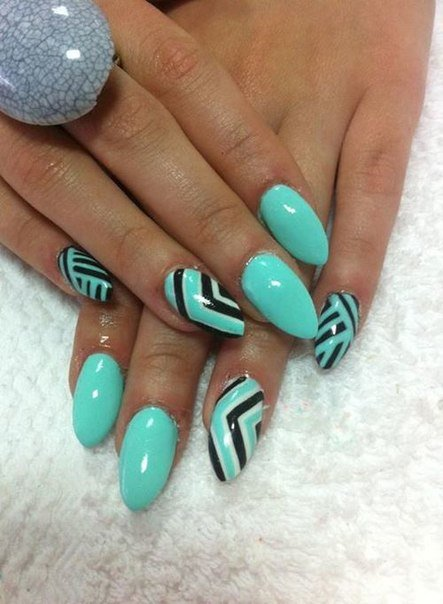 Mint Nail Design with Geometric Lines