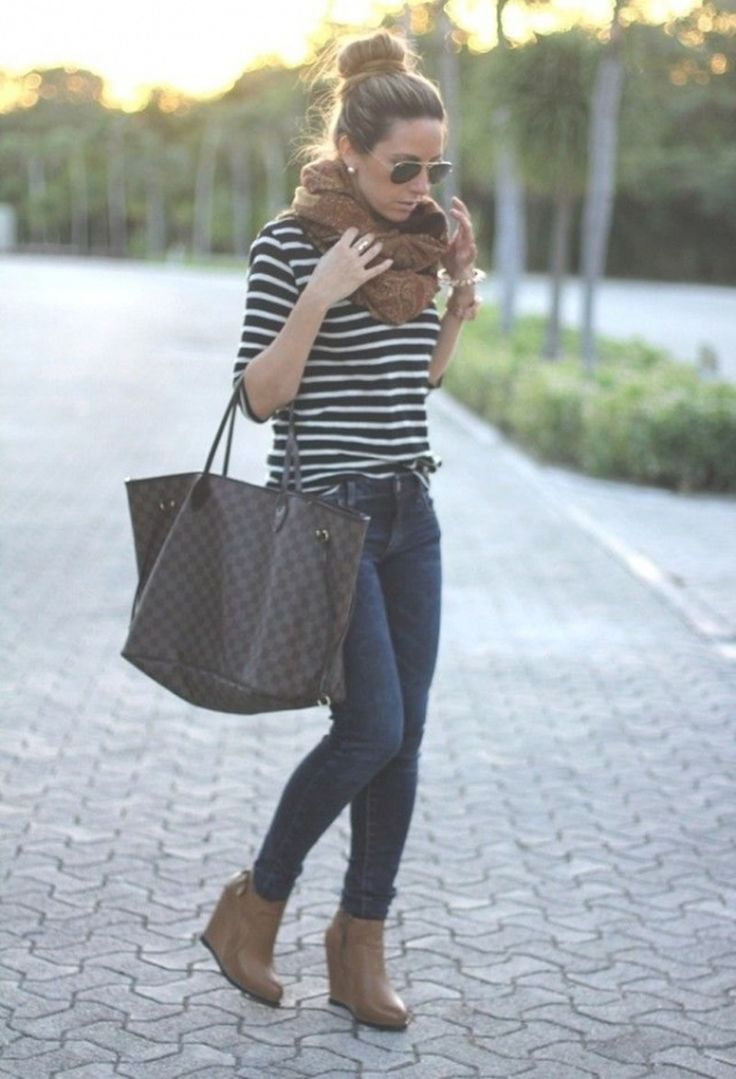 STYLES jeans, scarf and big bag