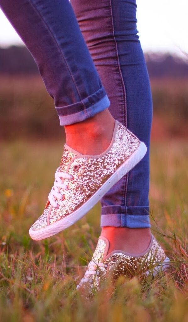 glittery Cute DIY Converse Makeover Ideas