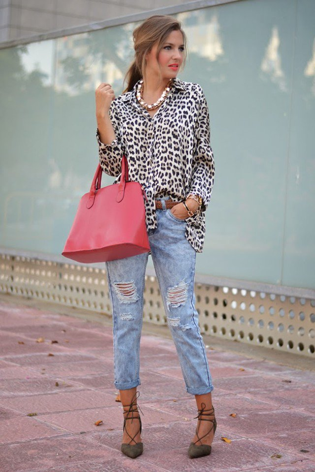 Stylish Leopard Printed Blouse with Ripped Jeans