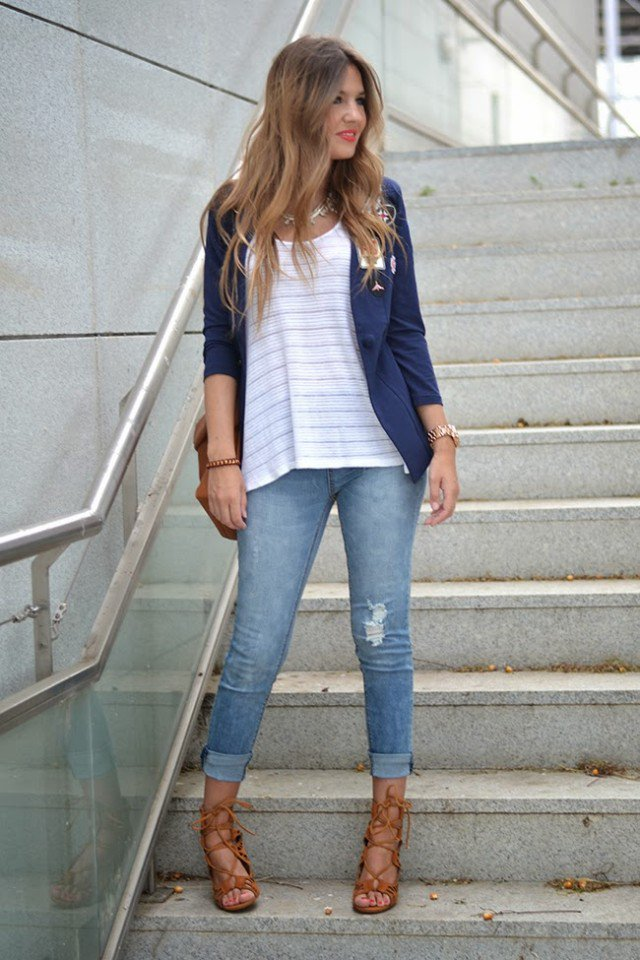 Casual Chic Outfit Idea With Jeans | Styles Weekly