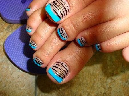Animal print French pedicure