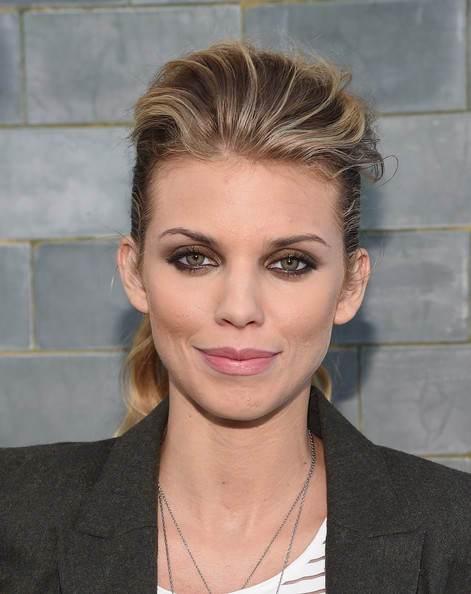 AnnaLynne McCord's Ponytail with A Teased Crown