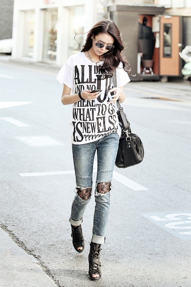 24 Genius Ways to Wear Your Graphic T-shirts
