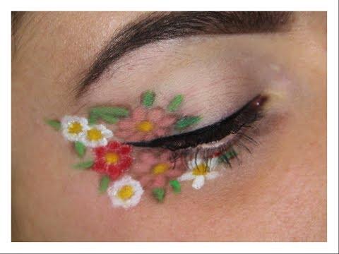 Floral eye make-up