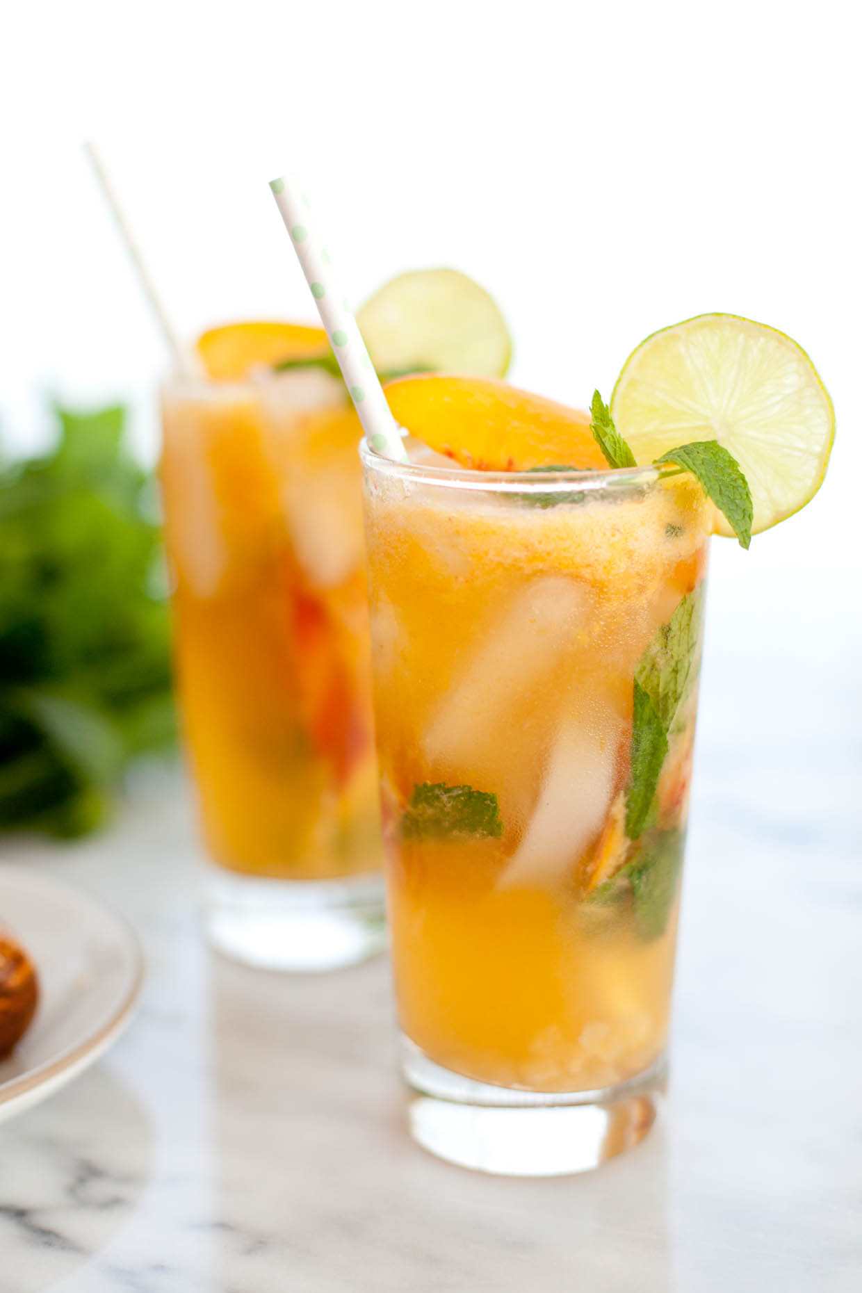 Ginger and peach (virgin) mojito