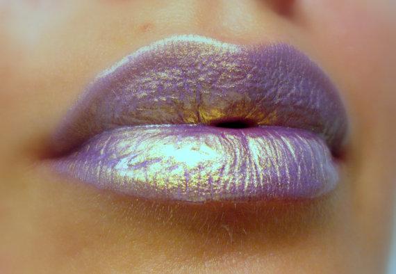 Iridescent lips