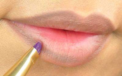 Light brown lips