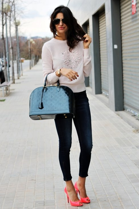 One of the best ways to wear skinny jeans