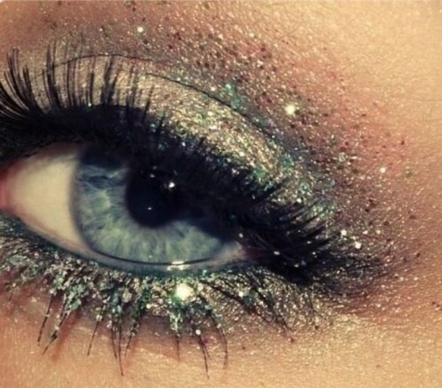 Lovely Shimmer Eye Makeup