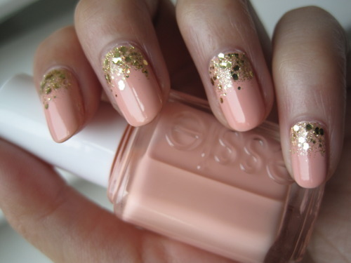 Reverse Ombre Glitter Styles Weekly