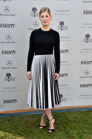 Celebrity Style:12 Most Stylish Pleated Skirt Outfits for 2015 ...