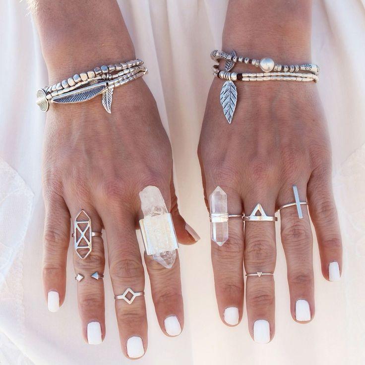 Some Boho midi-rings