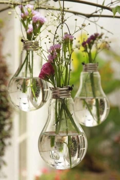 Use light bulbs as mini vases