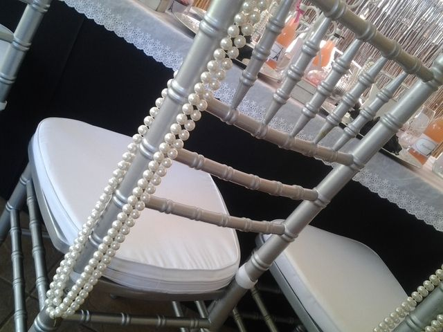 Use pearls for chairs