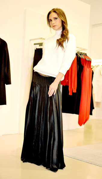 Victoria Beckham's Pleated Leather Skirt Outfit