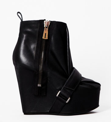 Wedge leather boots