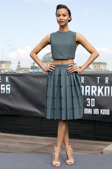 Zoe Saldana's Grey Pleated Skirt Outfit
