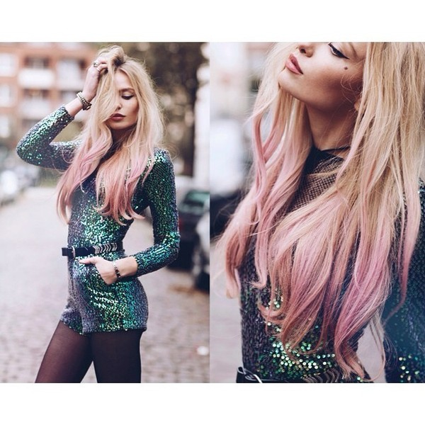 Beautiful Blonde Hair with Pink Touch