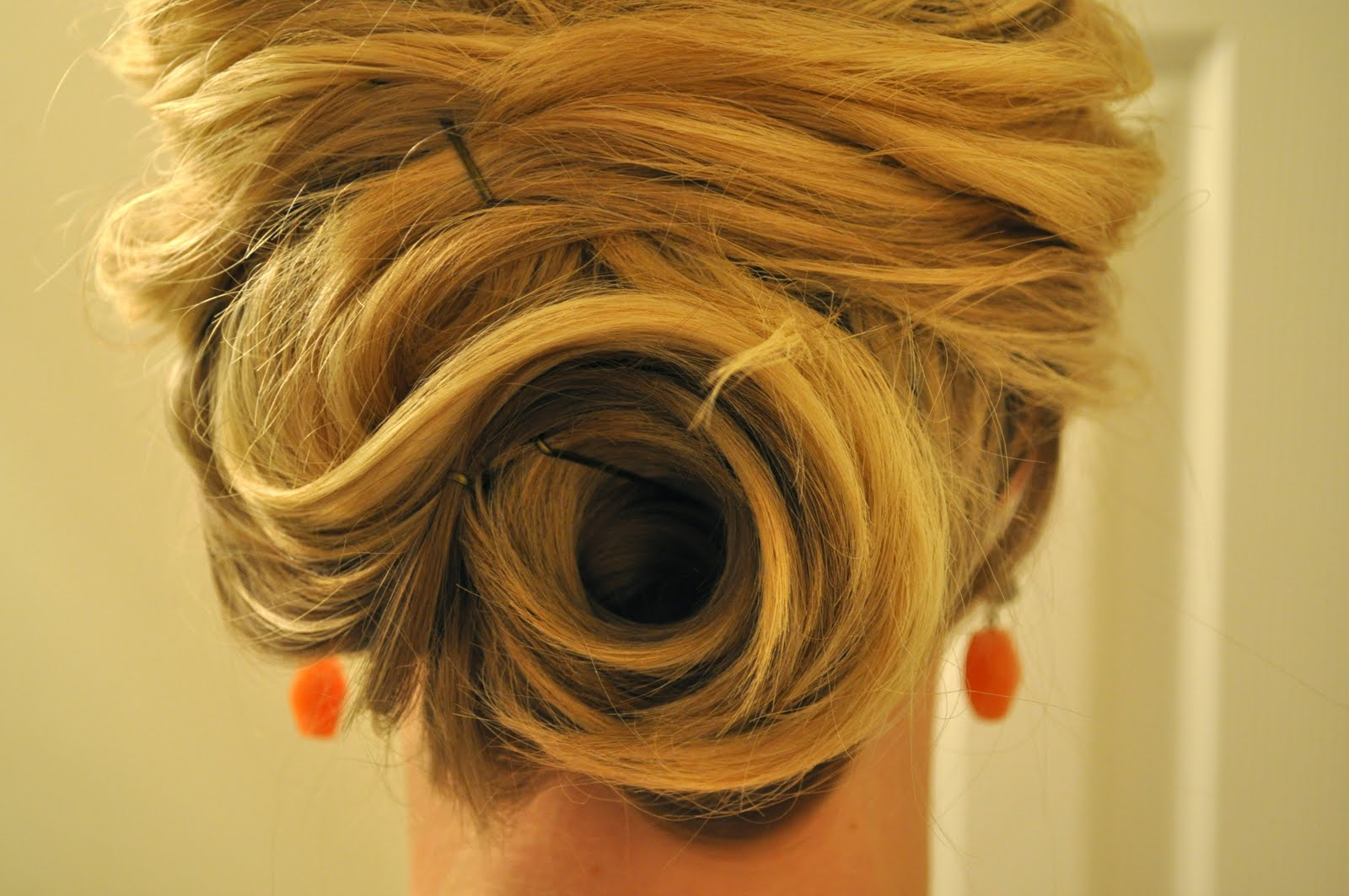 Enjoyable 20 Great Updo Styles For Short Hair Styles Weekly Hairstyles For Women Draintrainus