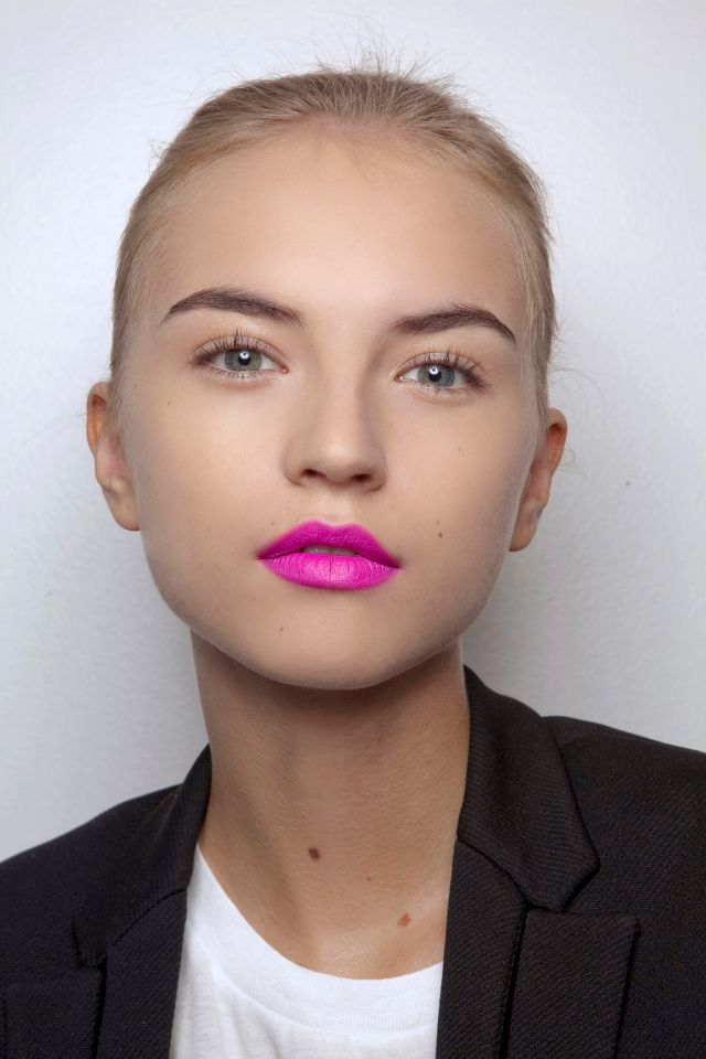 Bright Pink Lipstick Makeup Look