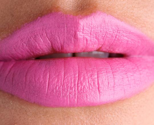 Bubblegum pink lips