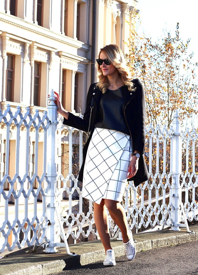 Classy Black and White Outfit for Work