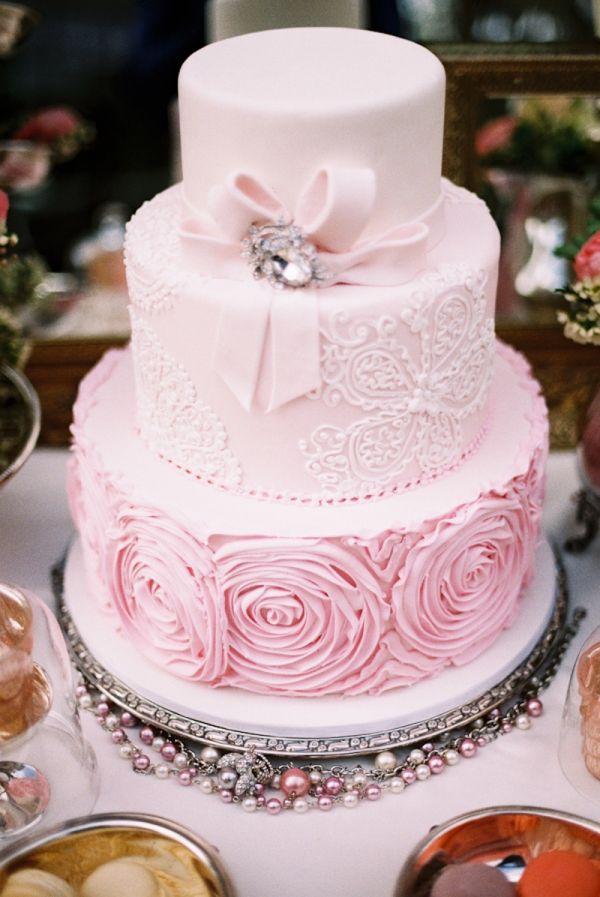 Cream rose cake