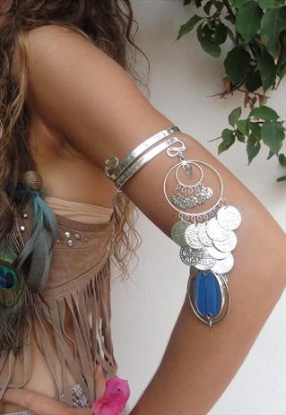 Feather arm bracelet