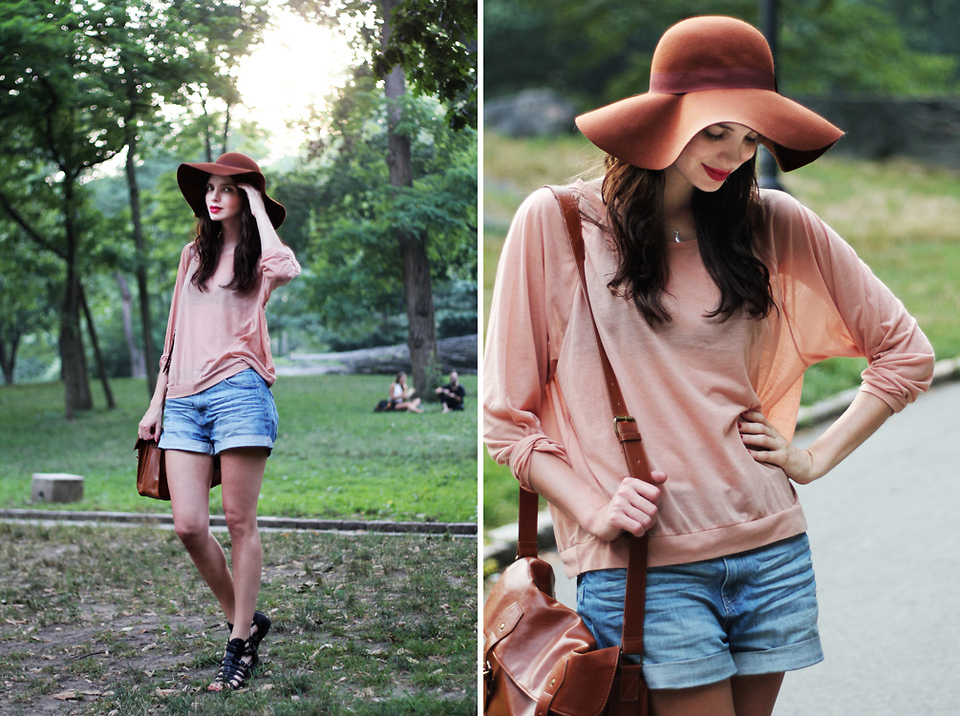 Floppy hat with shorts