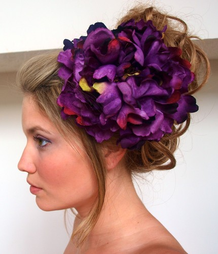 Flower hair accessories for women