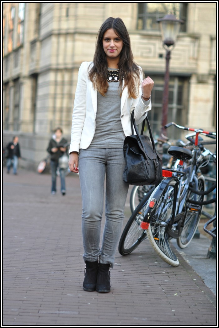 Grey skinny jeans and white blazer