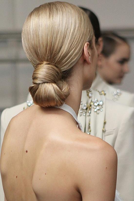 Low bun knot