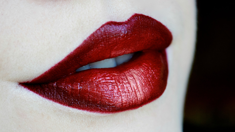 Marsala (ombre) lips