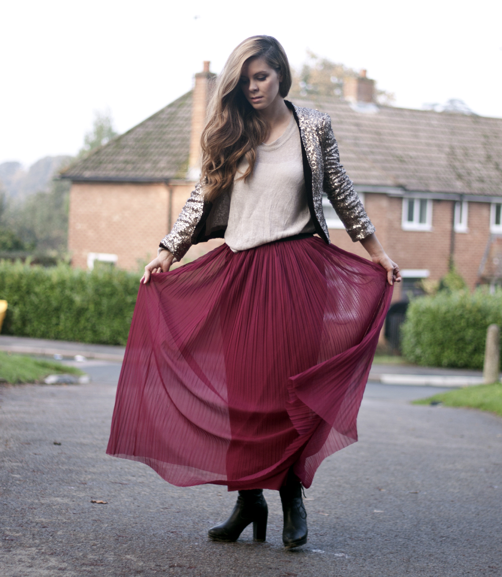 Maxi skirt and sequin jacket