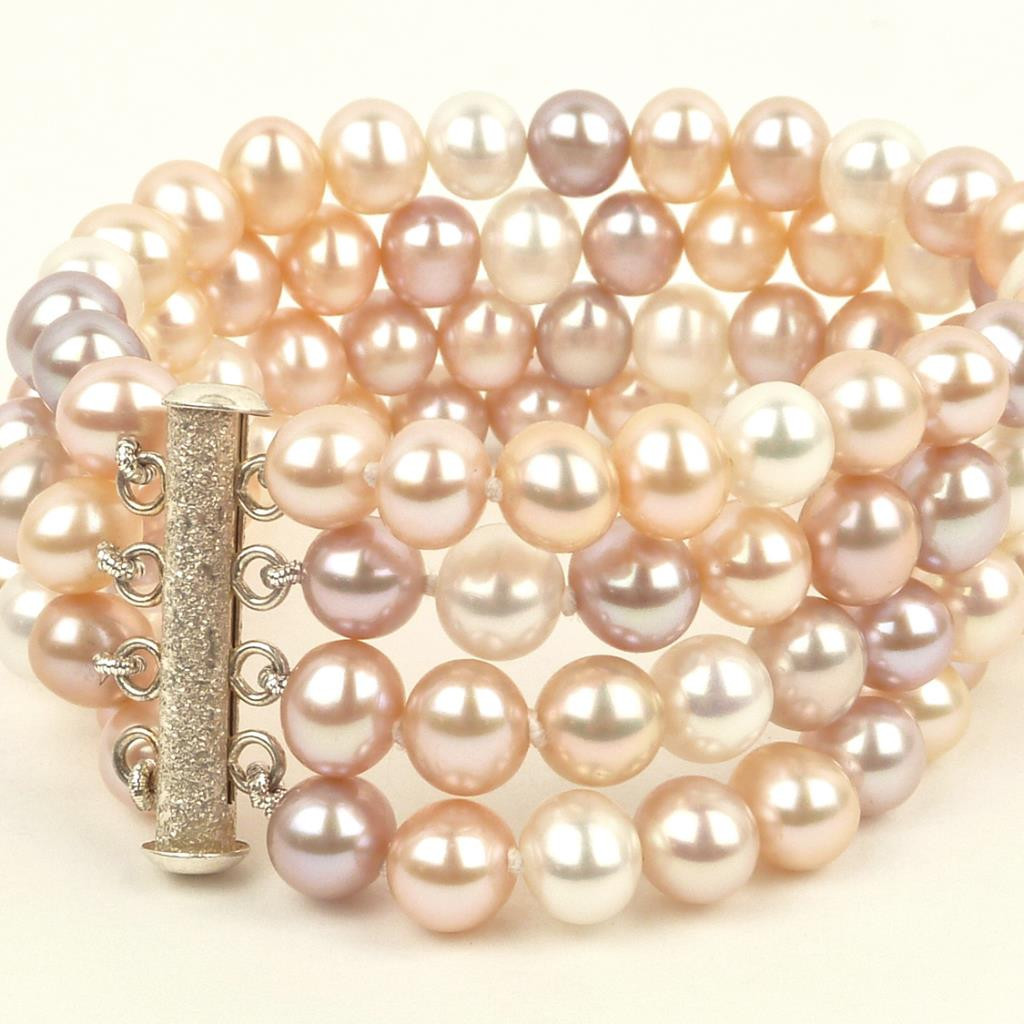 Nude pearls