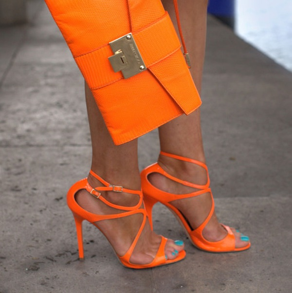 25 Ways to Brighten Up Your Look with Orange | Styles Weekly