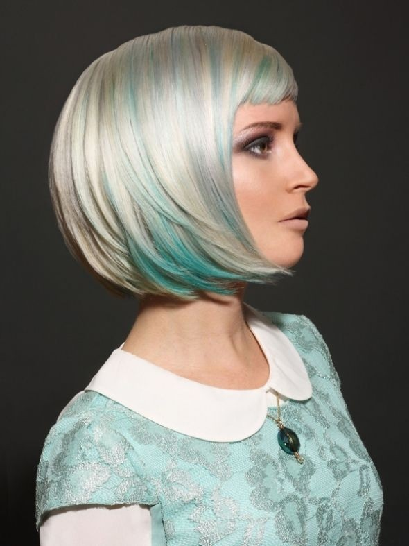 Platinum and mint green bob