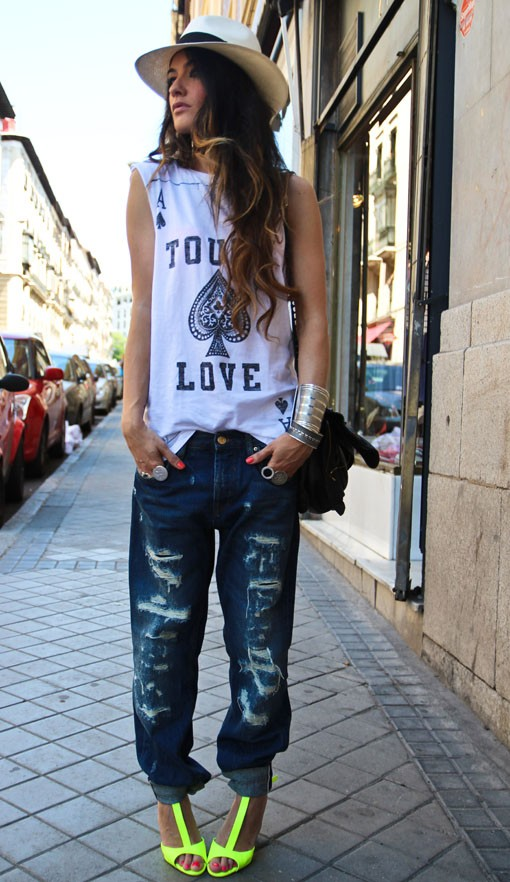 Ripped jeans and graphic short sleeve tee