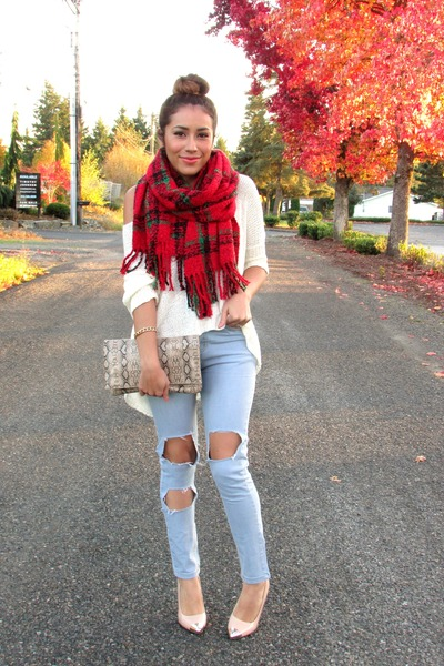 Ripped jeans and scarf