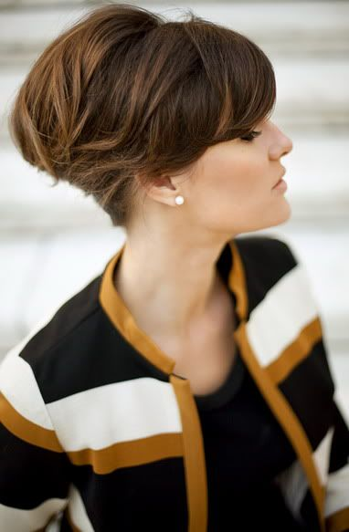20 Feminine Ways to Wear the French Twist This Fall