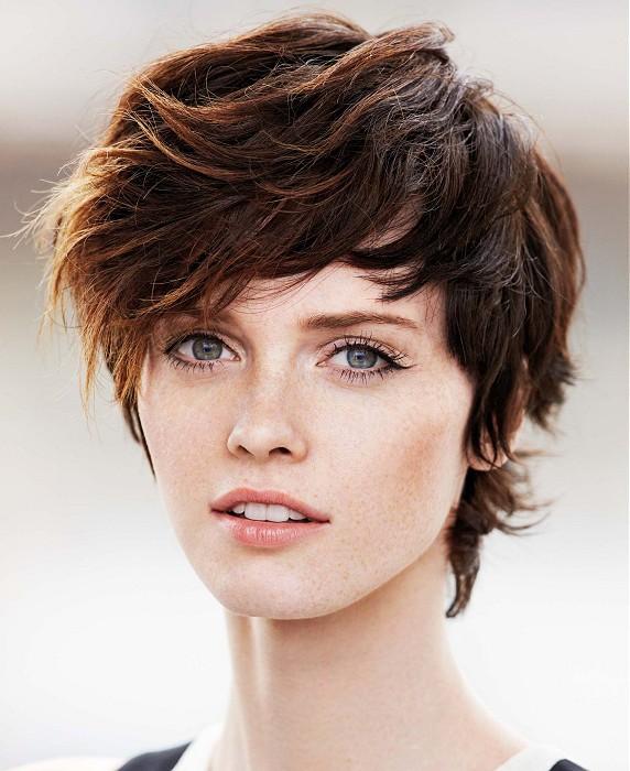 21 Alluring Short-N-Wavy Hairstyles