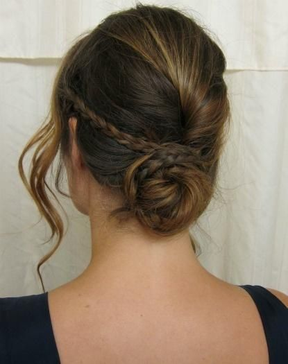 21 Feminine Ways to Wear the French Twist This Fall
