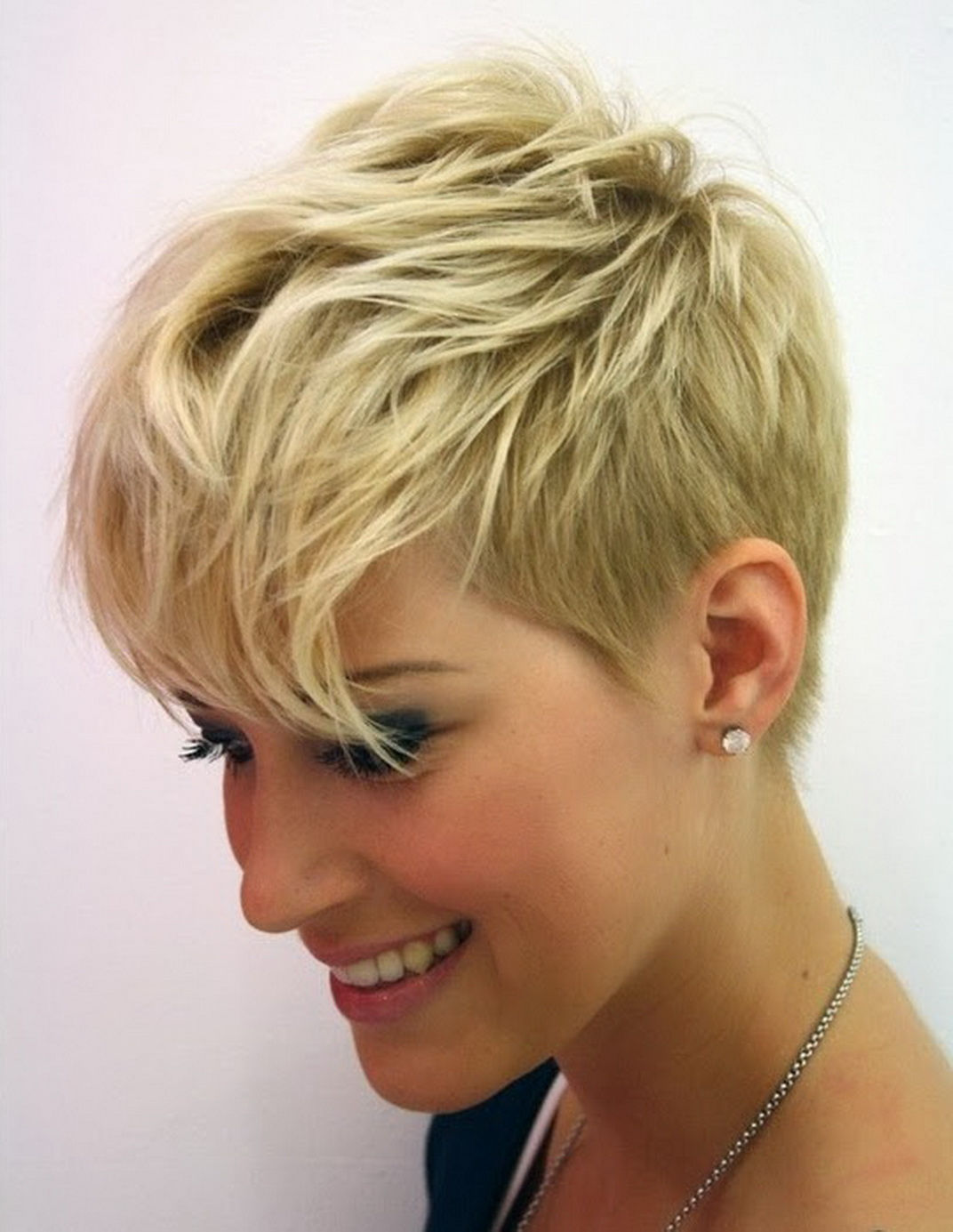 Fantastic 24 Cool Looking Short Hairstyles For Summer Styles Weekly Short Hairstyles For Black Women Fulllsitofus