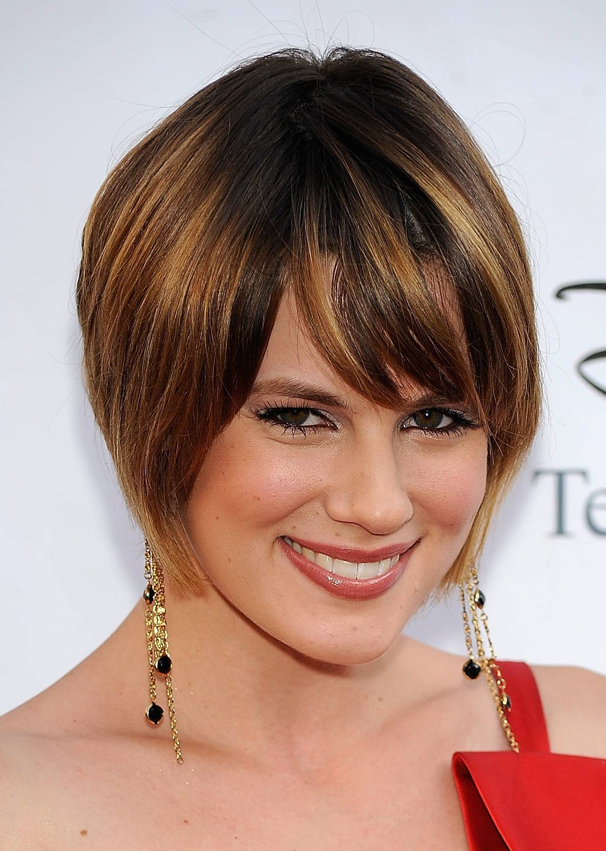 24 Cute Short Hairstyles (with Bangs)
