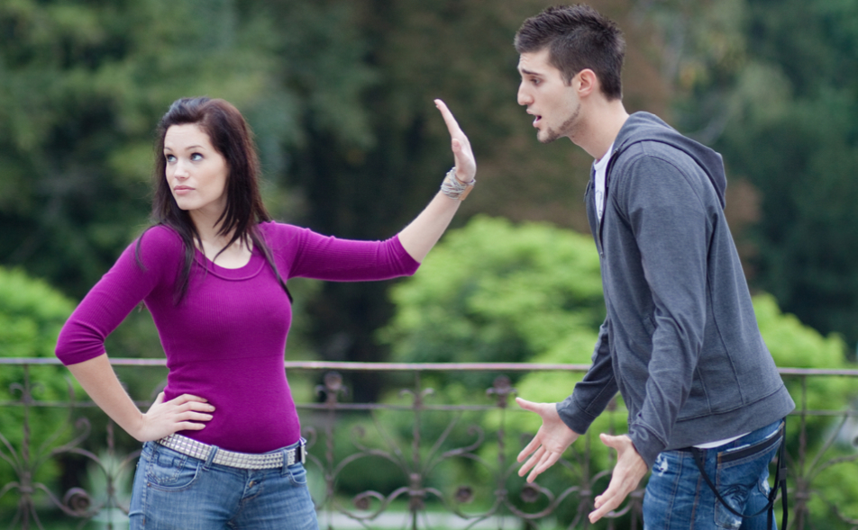 15 Signs He's Seeing Someone Else