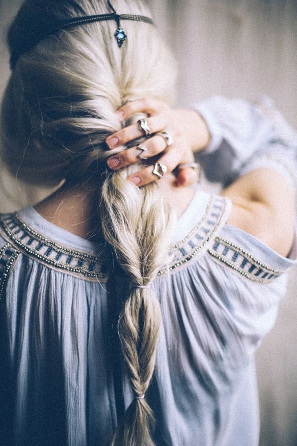 Hairstyle Stylish Braided Ponytail Via