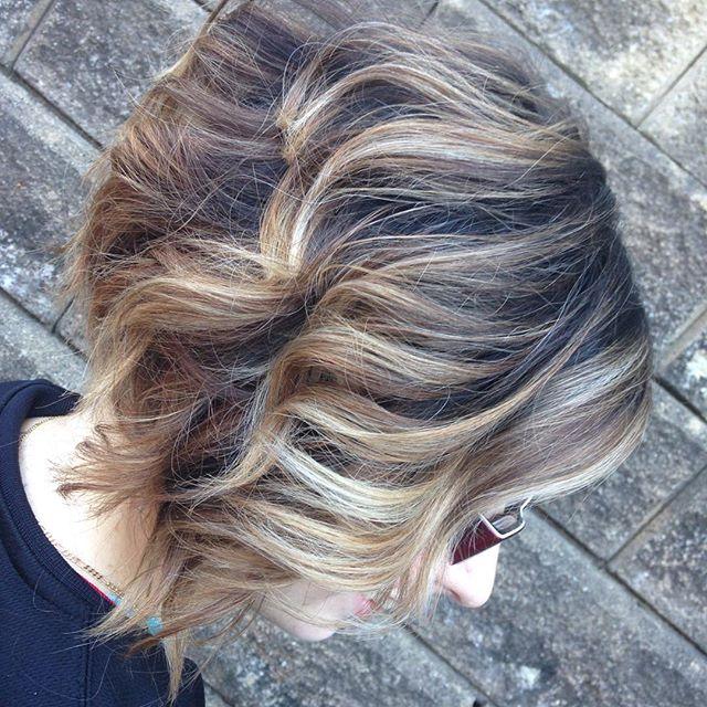 balyage inverted wavy bob hairstyle
